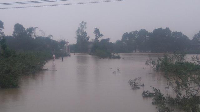 Tuyến giao thông về xã Triệu Giang bị chia cắt, nhiều hộ dân vẫn bị cô lập