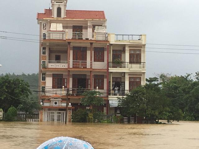 Nhiều xã của Đà Nẵng bị ngập nặng - 6