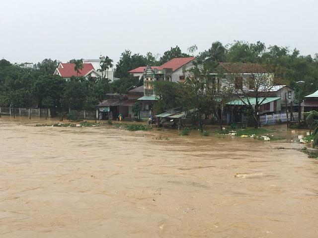 Nhiều xã của Đà Nẵng bị ngập nặng - 5