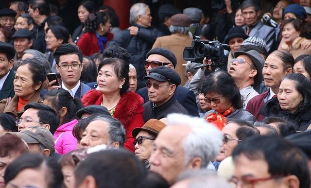 Khán giả nô nức đến với Ngày thơ Việt Nam.