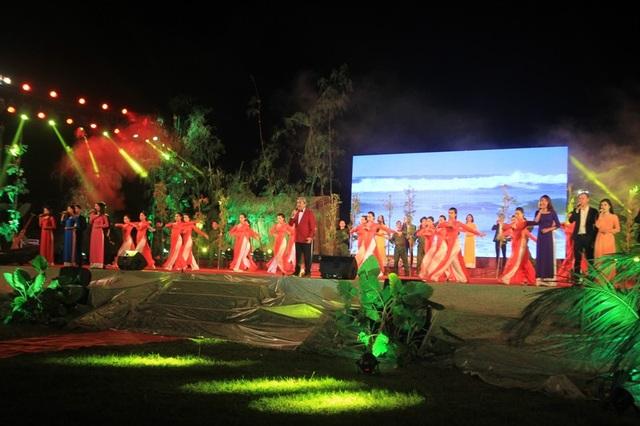 Nghệ sĩ nhân dân Quang Thọ biểu diễn ca khúc về Quảng Trị
