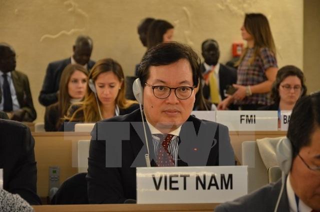 Đại sứ đặc mệnh toàn quyền Dương Chí Dũng, Trưởng Phái đoàn thường trực Việt Nam tại Liên hợp quốc tham dự một kỳ họp của Hội đồng Nhân quyền. (ảnh: TTXVN)
