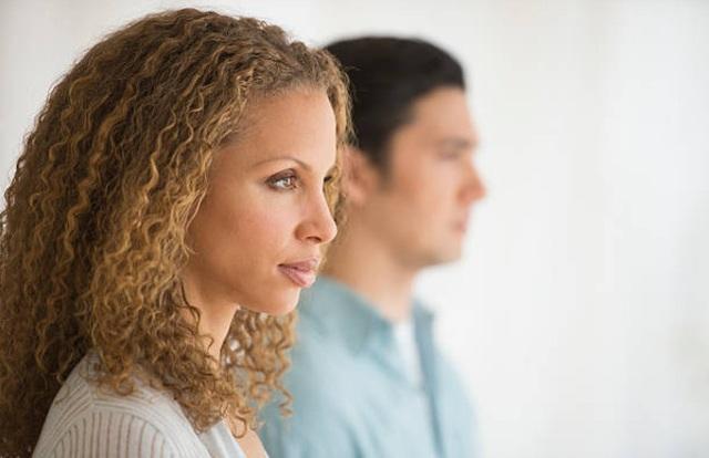 """Chồng qua lại với ca-ve khi vợ còn ở cữ: Đừng coi đó là """"lỗi rất thường ở đàn ông"""" - 1"""