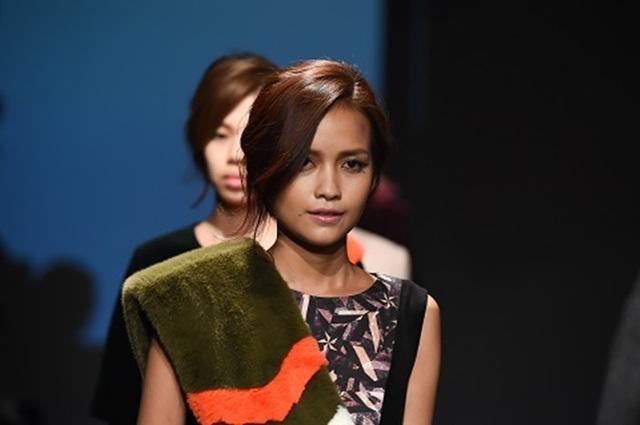 """Quán quân Vietnam's Next Top Model 2016 """"tấn công"""" Seoul Fashion Week - 4"""