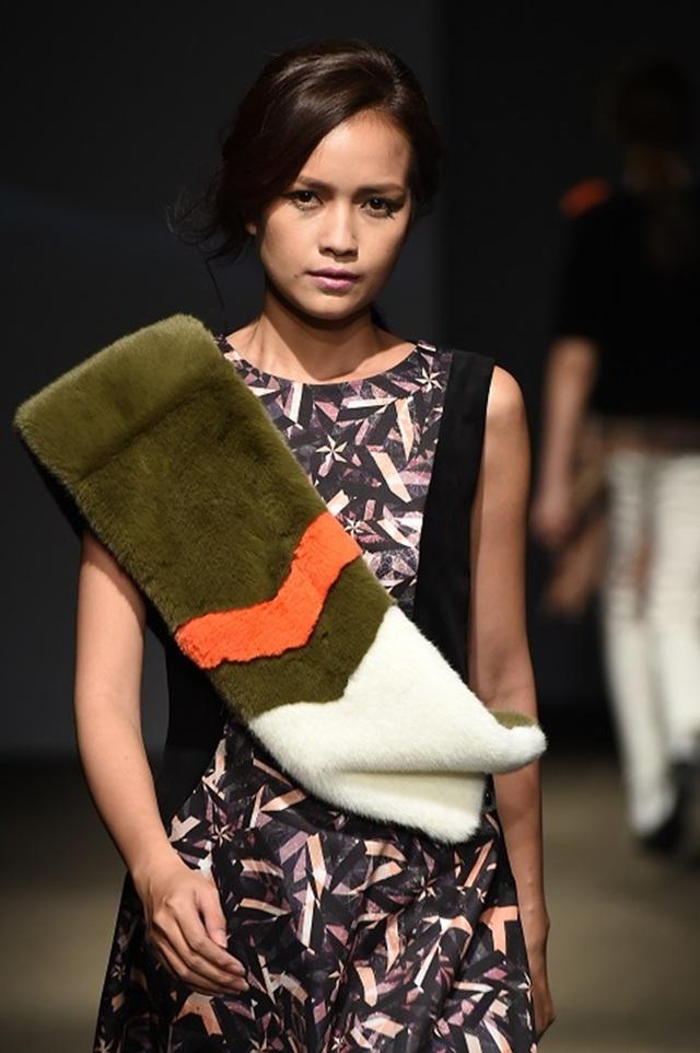 """Quán quân Vietnam's Next Top Model 2016 """"tấn công"""" Seoul Fashion Week - 7"""