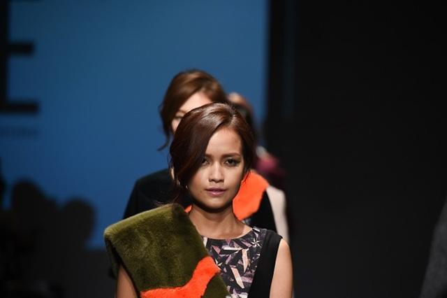 """Quán quân Vietnam's Next Top Model 2016 """"tấn công"""" Seoul Fashion Week - 3"""