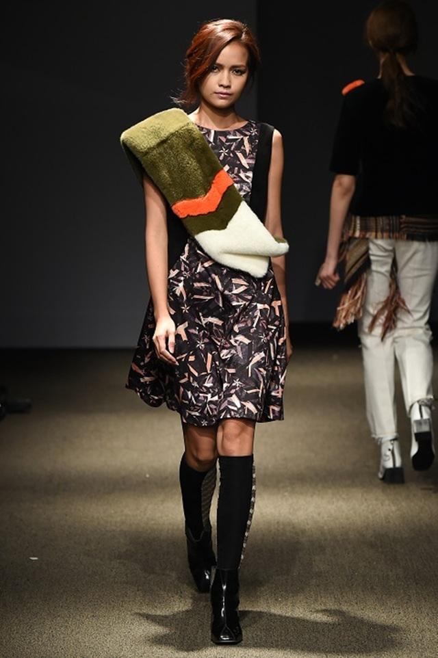 """Quán quân Vietnam's Next Top Model 2016 """"tấn công"""" Seoul Fashion Week - 5"""
