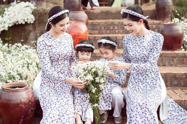 Hoa hậu Ngọc Hân, Á hậu Thanh Tú khoe sắc với cúc họa mi - 8