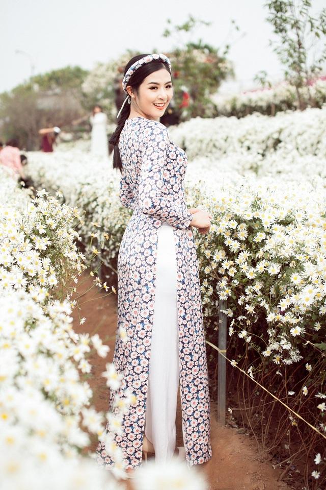 Hoa hậu Ngọc Hân, Á hậu Thanh Tú khoe sắc với cúc họa mi - 10