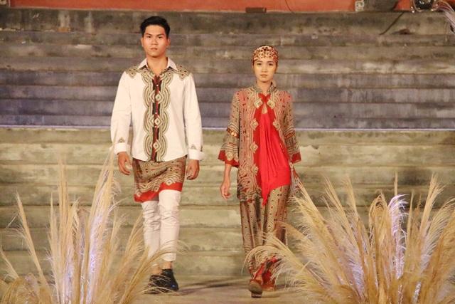 Nét truyền thống Indonesia được tái hiện trong bộ sưu tập của nhà thiết kế Milo Migliavacca