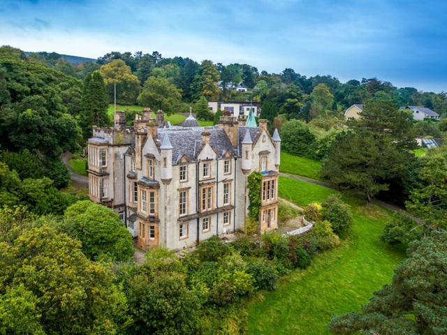 Ngôi biệt thự được thiết kế bởi cha của Madeleine Smith, ông James