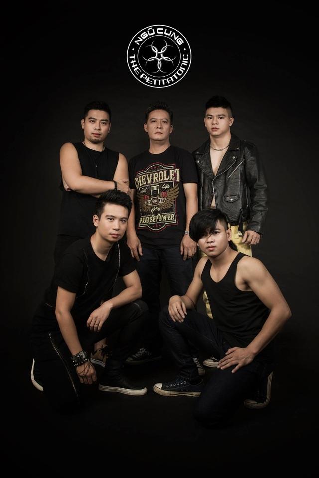 Các thành viên của ban nhạc Ngũ Cung.