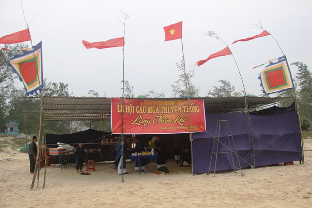 Lễ hội cầu mùa của người dân vùng biển Hải Lăng thường được tổ chức vào ngày Rằm tháng Giêng (Âm lịch) hàng năm