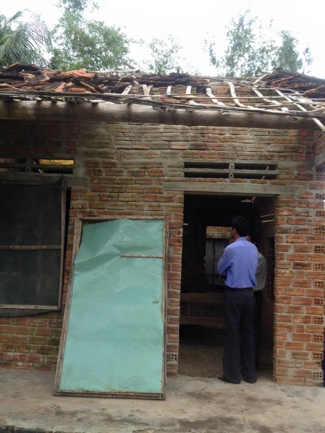 Nhiều ngôi nhà bị sập hoàn toàn vẫn chưa nhận được kinh phí hỗ trợ.