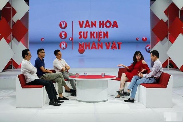 Các đạo diễn và diễn viên tham gia phim Người phán xử trò chuyện trong chương trình Văn hoá, sự kiện, nhân vật của VTV. Ảnh: VTV.