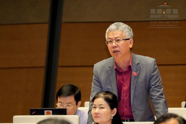 Đại biểu Nguyễn Đức Kiên phát biểu tại hội trường