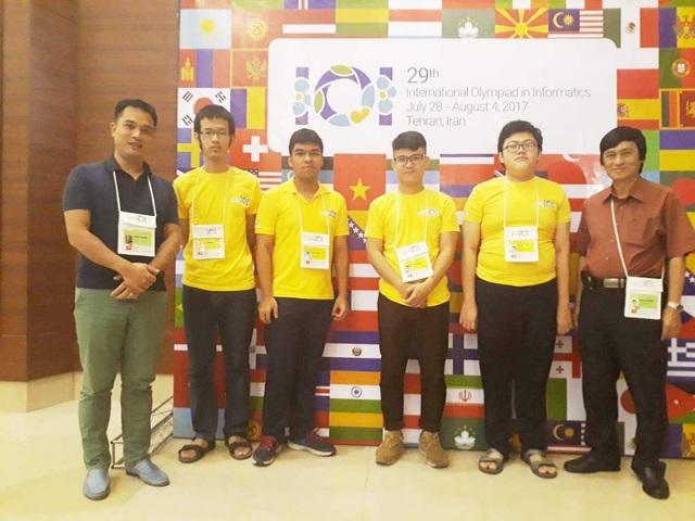 4 thành viên đội tuyển Tin học quốc gia đi dự thi Olympic Tin học quốc tế 2017 tại Iran