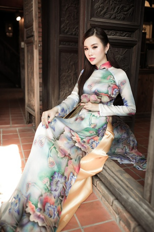 Ngoài tiếng Anh, cô còn học thêm tiếng Hoa để tự tin hơn khi giao tiếp với bạn bè quốc tế nếu có cơ hội đại diện Việt Nam chinh chiến.
