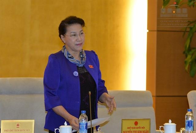 Chủ tịch Quốc hội Nguyễn Thị Kim Ngân nhắc, cần ưu tiên làm nghị quyết về xử lý nợ xấu.