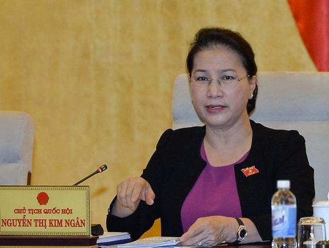 Chủ tịch Quốc hội Nguyễn Thị Kim Ngân cho rằng, trong phương án cần nêu rõ suất tái định cư tối thiểu cho người dân