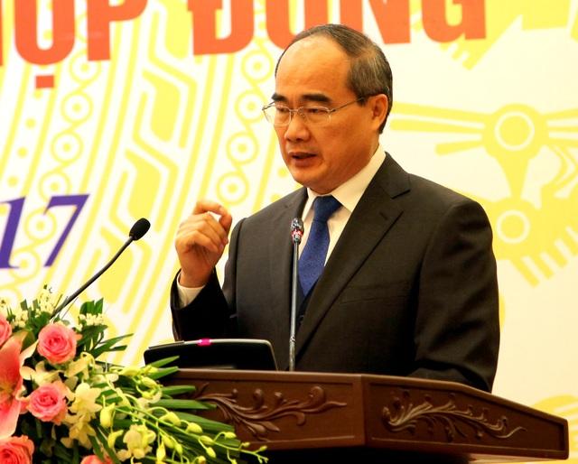 Chủ tịch Mặt trận Tổ quốc Việt Nam Nguyễn Thiện Nhân phát biểu tại Hội nghị.
