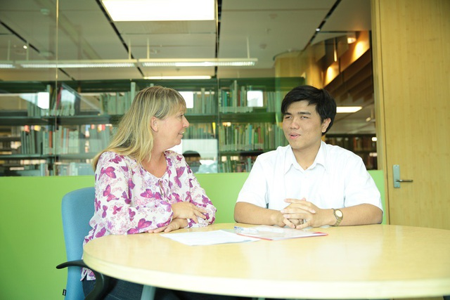 Tú đóng góp vào thành công của RMIT Access, sáng kiến của trường nhằm đảm bảo tài liệu học được thể hiện theo cách mà mọi sinh viên đều có thể sử dụng được. Bạn tư vấn cho giảng viên và các Khoa để thay đổi tài liệu học phù hợp.