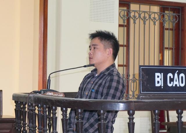 Nguyễn Văn Dinh lập tài khoản facebook, tự rao tuyển để lừa đảo, chiếm đoạt tiền của người tìm việc.