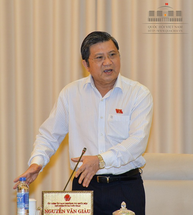 Chủ nhiệm UB Đối ngoại Nguyễn Văn Giàu phát biểu tại phiên thảo luận