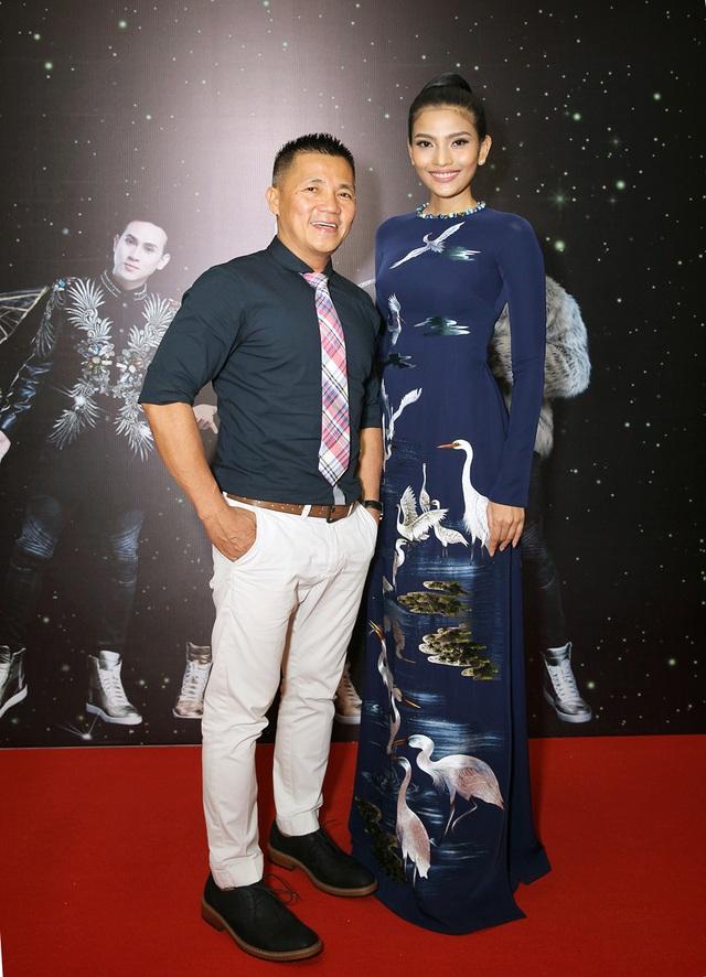 Á hậu Trương Thị May và nhà thiết kế áo dài Đinh Anh Thơ