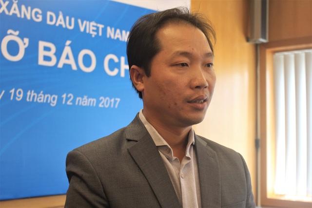 Ông Nguyễn Quang Dũng, Phó Tổng giám đốc Petrolimex cho rằng, với tư cách là một người tiêu dùng xăng dầu, việc nhà đầu tư nước ngoài tham gia bán lẻ xăng dầu tại Việt Nam là tín hiệu tốt. (Ảnh: Hồng Vân)
