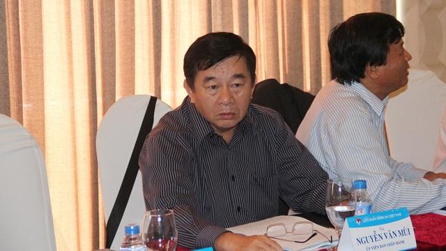 Trưởng Ban trọng tài Nguyễn Văn Mùi tiếp tục nhận nhiều chỉ trích từ giới chuyên môn về công tác trọng tài (ảnh: Trọng Vũ)
