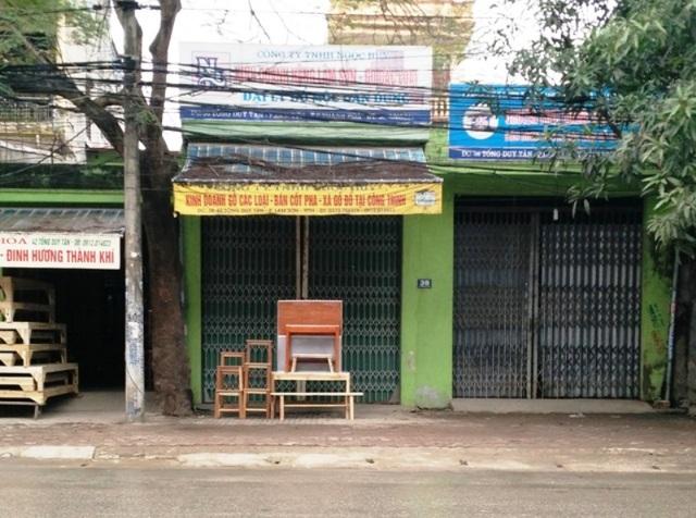 Số nhà 38 Tống Duy Tân, phường Lam Sơn được cán bộ UBND thành phố Thanh Hóa cấp 4 sổ đỏ.
