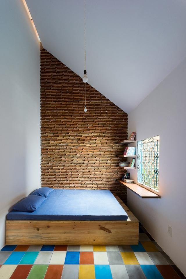 Từng góc nhỏ trong căn nhà đều được tận dụng tối đa nhưng không hề đem lại cảm giác gò bó, chật chội.