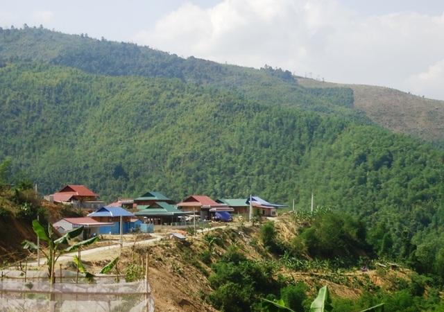 Nhiều hộ dân khu tái định cư thủy điện Trung Sơn bị làm khó
