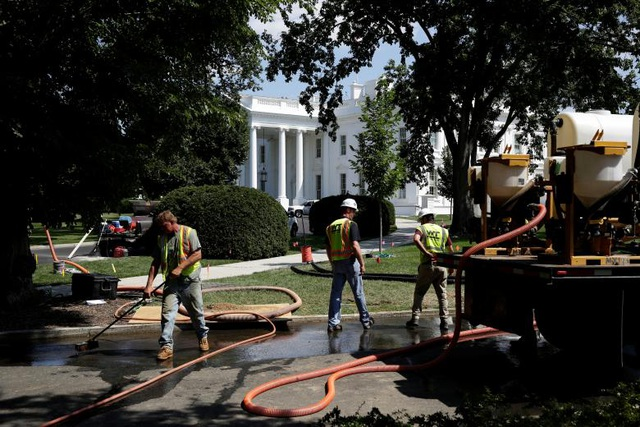 Hoạt động trùng tu sẽ bao gồm nhiều hạng mục như sửa sang các phòng, nâng cấp không gian bên ngoài Nhà Trắng, lắp đặt mới hệ thống điều hòa hay thông gió.