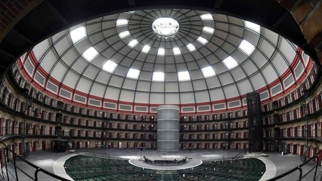 Nhà tù mái vòm ở Breda xây dựng năm 1886 không còn bóng dáng phạm nhân và được chuyển đổi thành văn phòng làm việc