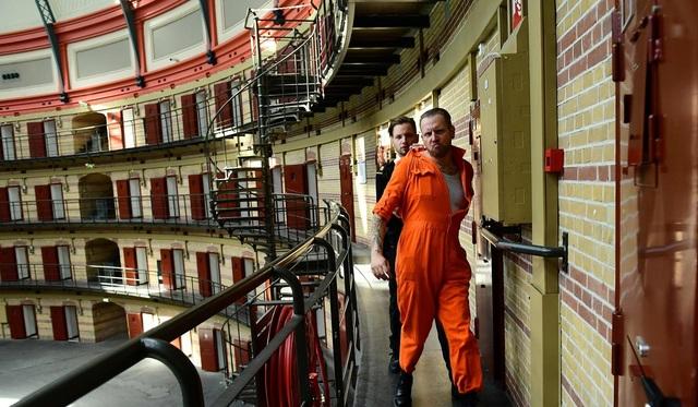 Một cảnh trong trò chơi nhập vai Vượt ngục tại một nhà tù đã đóng cửa vì vắng tù nhân ở Hà Lan (Ảnh: AFP)
