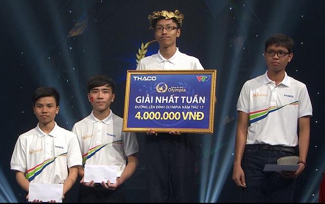Thí sinh Nhân Thanh Tùng giành vòng Nguyệt quế ở cuộc thi Tuần 2, Tháng 1, Quý 3, năm 17 Đường lên đỉnh Olympia