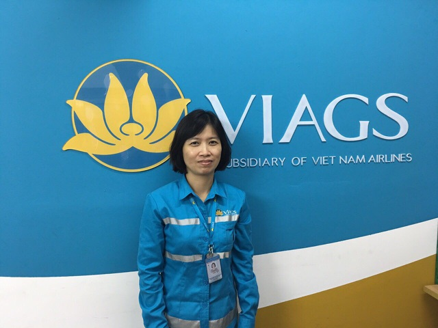 Chị Nguyễn Thị Hải Yến đã nhặt được hơn 100 triệu đồng khách Hàn Quốc để quên trên máy bay