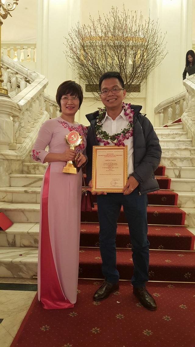 Hai tác giả đoạt giải của báo Dân trí - Lê Thị Phương Thảo và Phùng Thế Kha