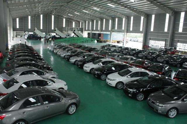 Nhập khẩu ô tô vào Việt Nam tăng mạnh.