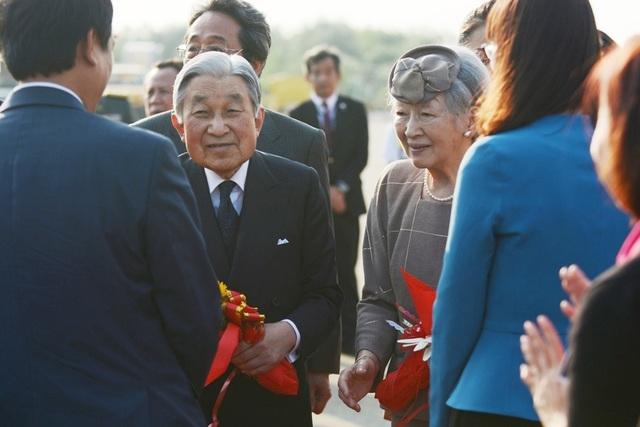 Người dân Cố đô Huế nồng nhiệt đón Nhật hoàng và Hoàng hậu - 10