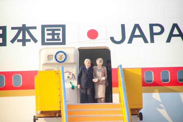 Nhà vua và Hoàng hậu Nhật Bản bắt đầu chuyến thăm Huế