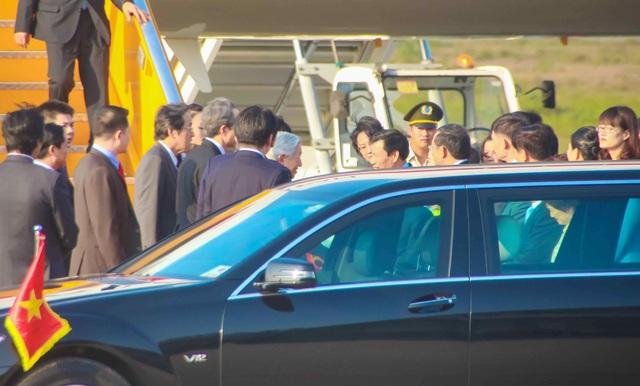 Nhật hoàng Akihito bắt tay thân mật Bộ trưởng Bộ VH,TT&DL Nguyễn Ngọc Thiện