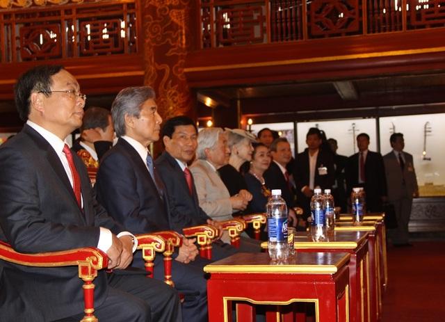 Cùng xem các tiết mục Nhã nhạc Cung đình Huế - Di sản văn hóa phi vật thể thế giới đầu tiên tại Việt Nam