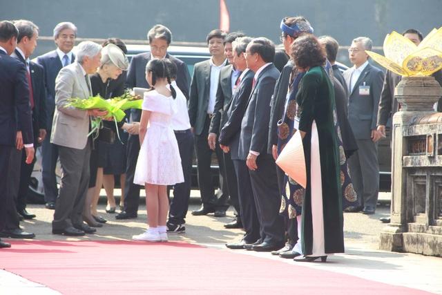 Huế đón tiếp Nhật hoàng và Hoàng hậu tại Ngọ Môn