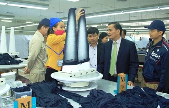 Ông Ngô Văn Tuấn - Phó chủ tịch UBND tỉnh Thanh Hóa đi thăm hỏi tình hình đời sống người lao động nhân dịp đầu năm mới
