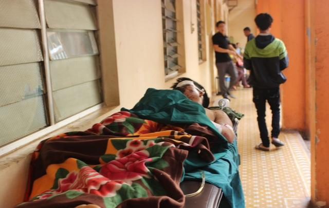 Anh Việt đang nằm điều trị tại Bệnh viện Đa khoa tỉnh Đắk Lắk