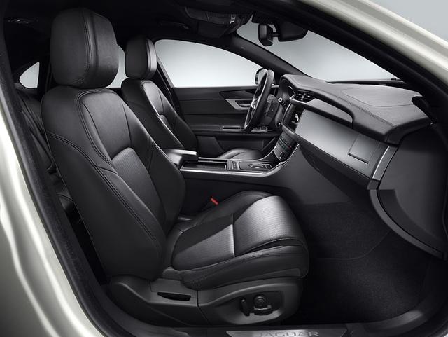 Hỗ trợ 100% phí trước bạ và 1 năm bảo hiểm khi mua xe Jaguar XF - 4