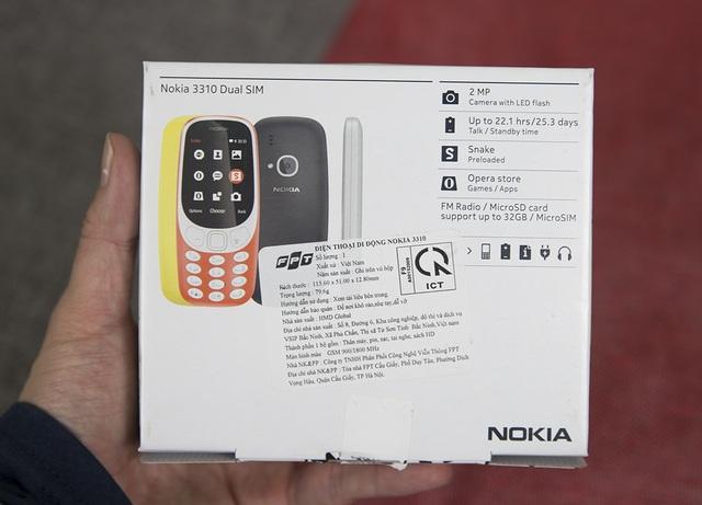 Phía sau đó là thông tin về thiết bị này và tem chứng nhận hợp quy.